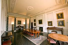 fota-house-dining-room